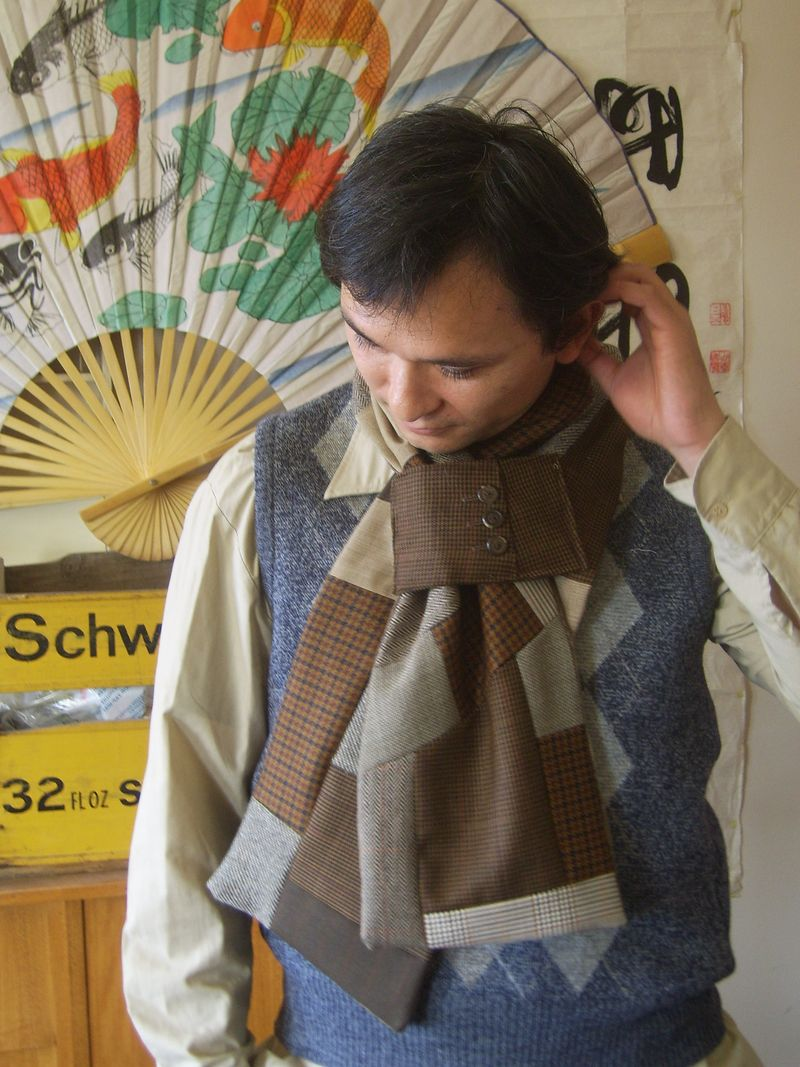 Ed in scarf 003