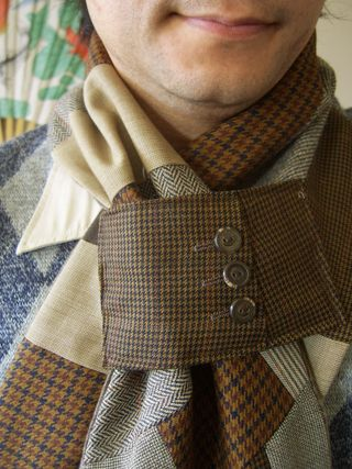 Brown scarf detail